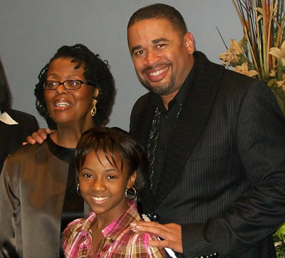 Deborah Smith Pollard and Byron Cage with contest winner
